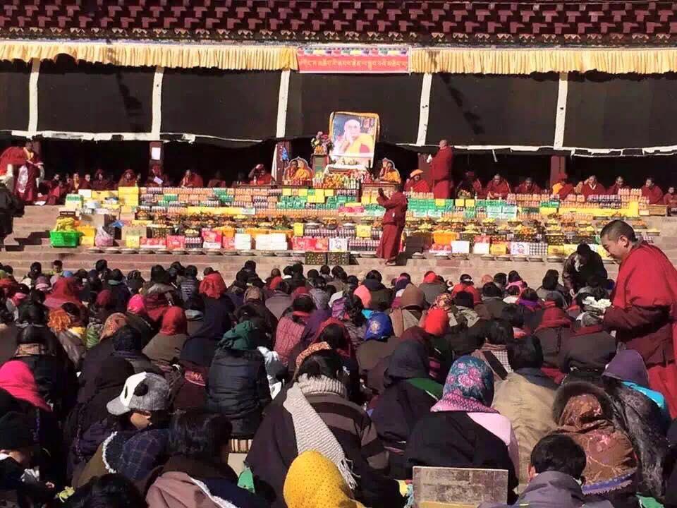 Dalai Lama preghiera