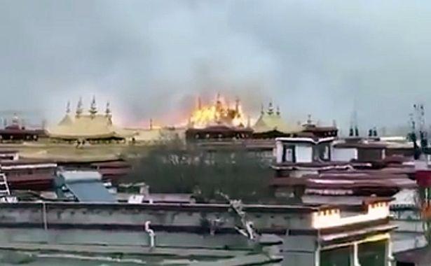 Incendio Jokhang1