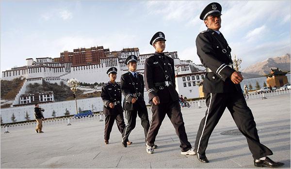 soldati a Lhasa4