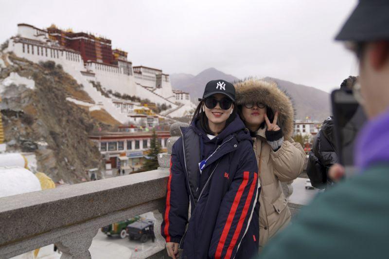 turisti cinesi a Lhasa